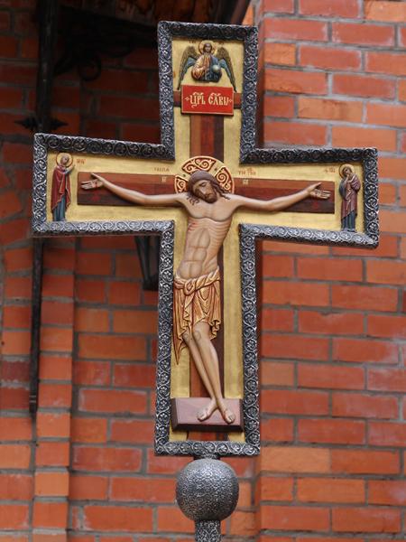 Хоругвь Крест в Пущинском храме