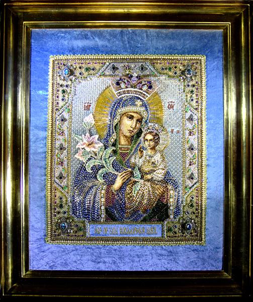 Выставка вышитых бисером икон в Храме Христа Спасителя