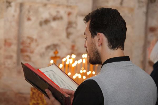 Чтение Апостола в Богородице-Рождественском храме с.Подмоклово