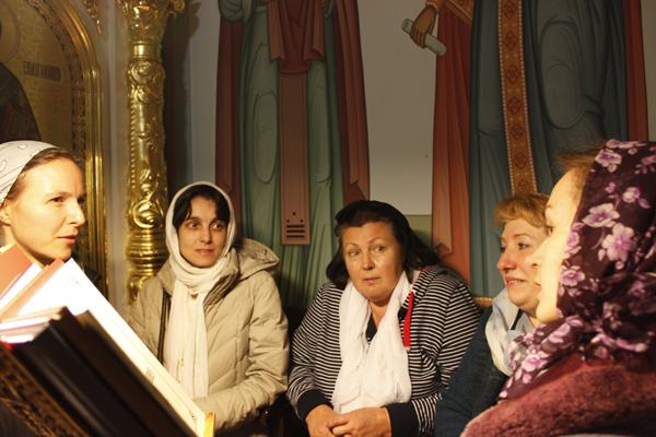 """Клирос храма иконы """"Семистрельной"""" на Кипре принимает гостей из г.Пущино"""