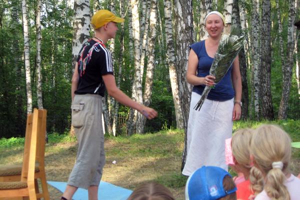 Поздравление и слова благодарности матушке Татьяне (директору лагеря и маме)