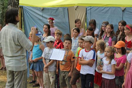 Хоровое пение в лагере