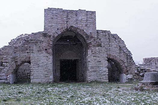 Развалины Золотых ворот