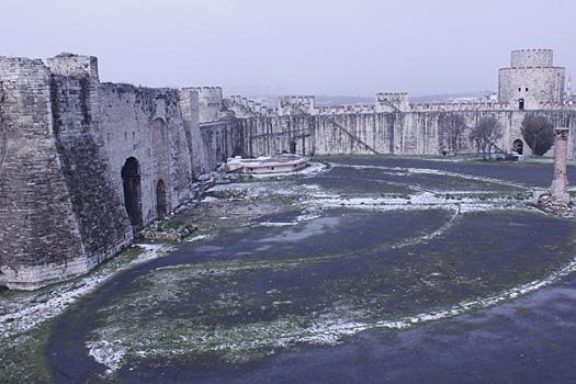 Семибашенная крепость