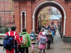 Учащиеся Пущинской гимназии на экскурсии в храме