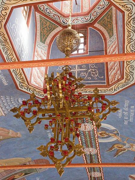 """Светильник (паникадило) """"Крест"""" в Пущинском храме"""