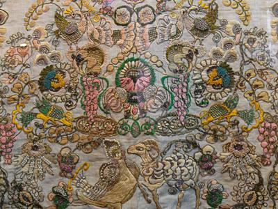 Вышитое полотенце. Музей ювелирного искусства в Красном-на-Волге