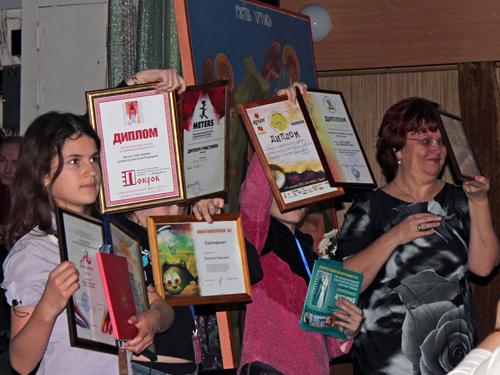 """Юные создатели мультфильма """"Шестоднев"""" и заставки """"Свет - миру!"""" с наградами фестивалей"""