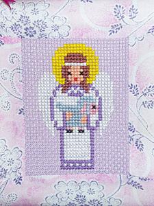 Ангелочек с овечкой (вышивка крестом)