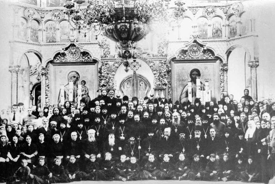Священномученики Андроник и Феофан Пермские на празднике в Белогорской обтители 1917-18 г.