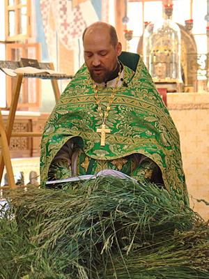Коленопреклоненные молитвы в День Святой Троицы