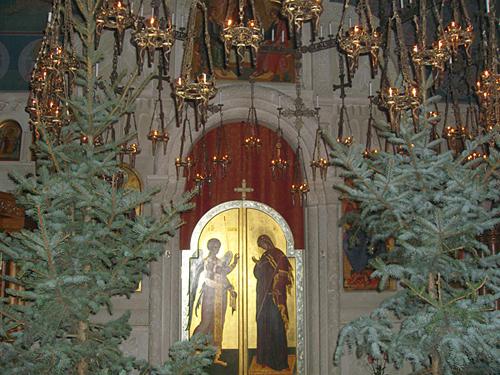 Рождественская служба в Михаило-Архангельском храме 2012