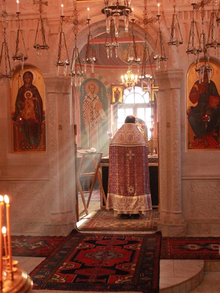 Воскресная литургия в Великий пост в Пущинском храме