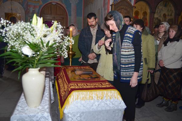 Вынос плащаницы в Пущинском храме