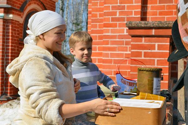 Освящение пасхальных куличей в Пущинском храме