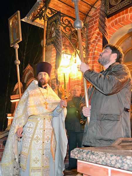 15.04.2012 Пасхальное богослужение в Пущинском храме
