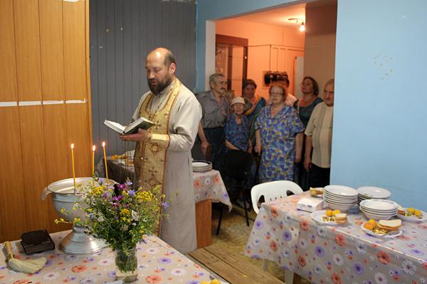 Молебен на начало благого дела и освящение столовой