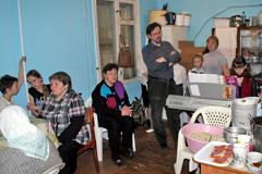 Пасхальный обед в Пущинской благотворительной столовой