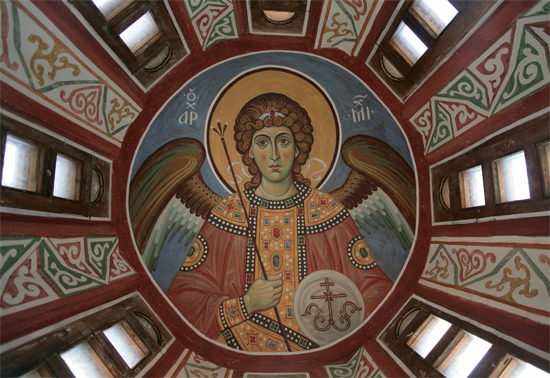 Архангел Михаил под куполом