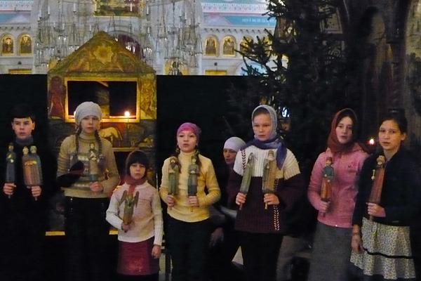 Вертепное представление в Пущинском храме 2010 г