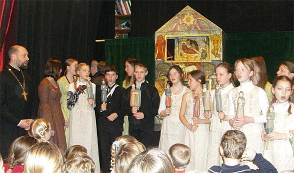 Выступление на  фестивале вертепов 2010
