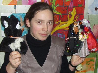 Наталья Каширская со своими куклами для Воронежского вертепа