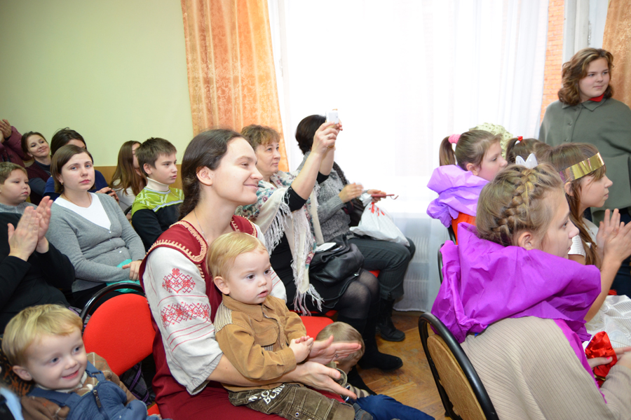 """Рождественский праздник в воскресной школе """"Вертоград"""" 2013 г."""