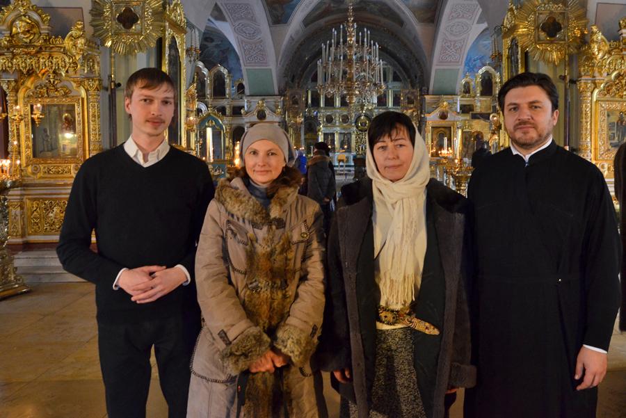 Фото с друзьями - сотрудниками социальной службы храма Рождества Иоанна Предтечи на Пресне