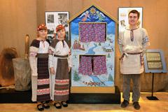 У вертепа Серпуховского Выставочного зала