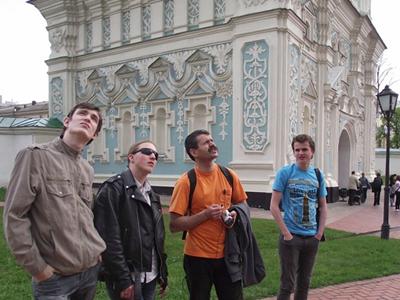 С нашим гидом Василием Корецким у колокольни Софийского собора