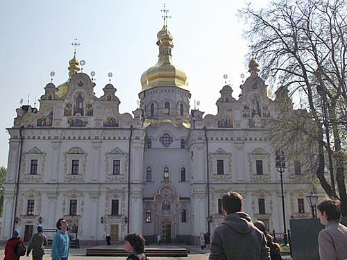 У Успенского собора Киево-Печерской лавры