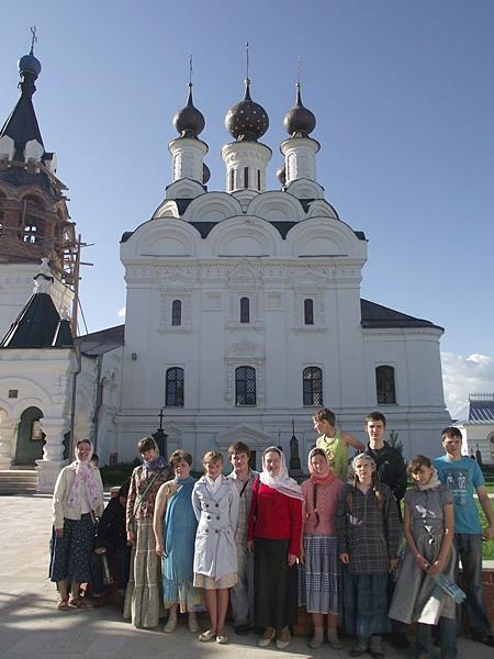 У Муромского Благовещенского монастыря
