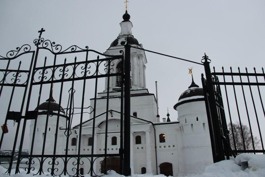 Свято-Авраамиев Богоявленский монастырь в Ростове